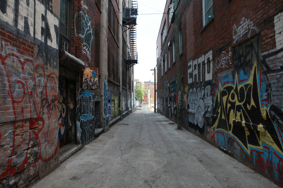 05 Ruelle St-Laurent - Capture photo 1 - Sounding the City 001 - Montréal 2015-2016
