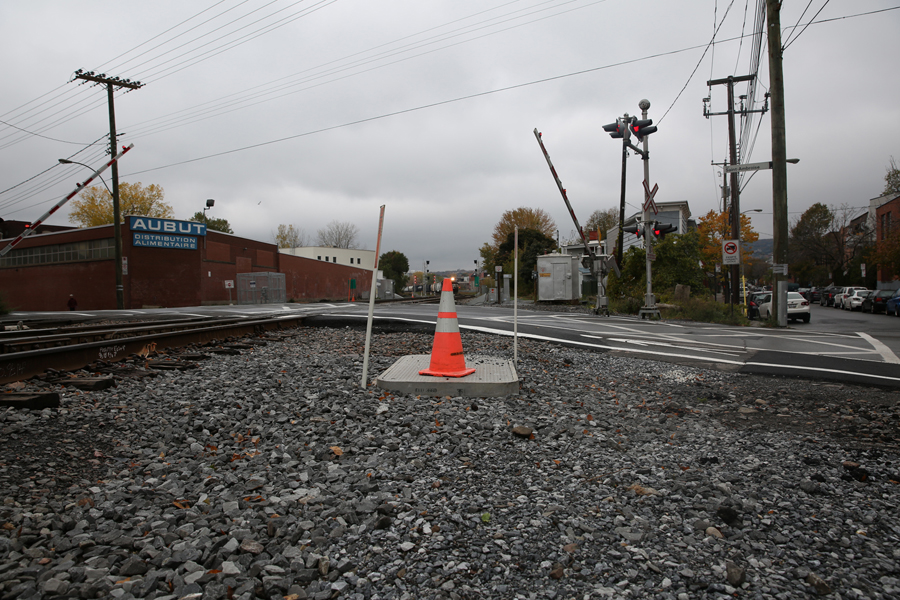 07 St Ambroise Rail Crossing - Capture photo 3 - Sounding the City 001 - Montréal 2015-2016