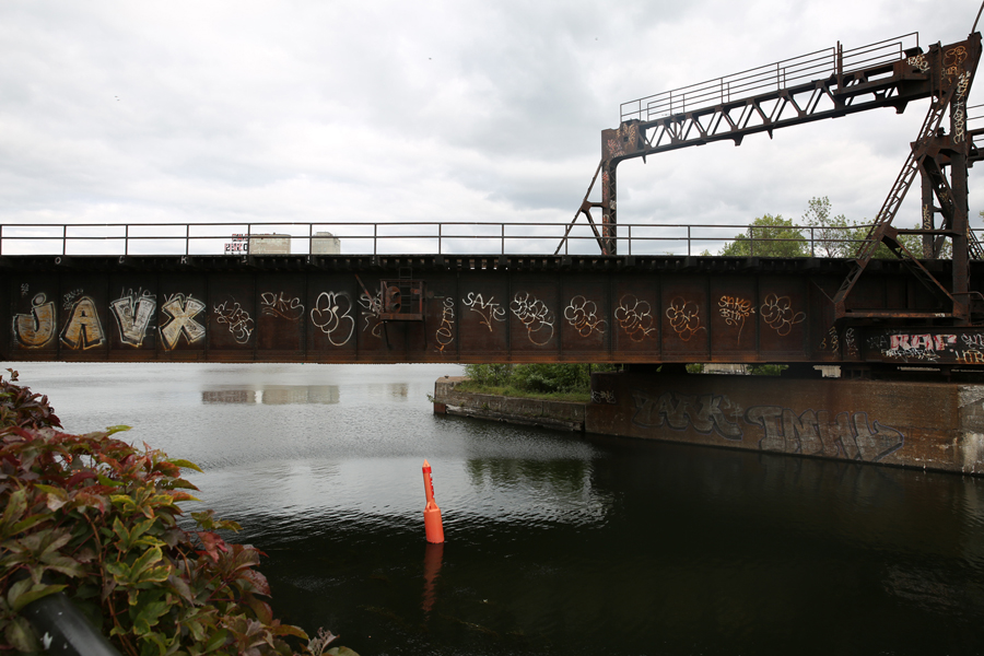 08 Peel Basin Train Bridge - Capture photo 14 - Sounding the City 001 - Montréal 2015-2016